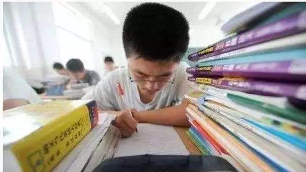 今年高考考生被数学难哭!