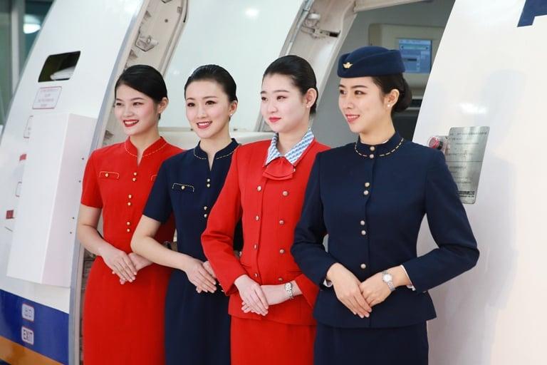 """空中乘务专业,真的只能""""吃青春饭""""吗?"""
